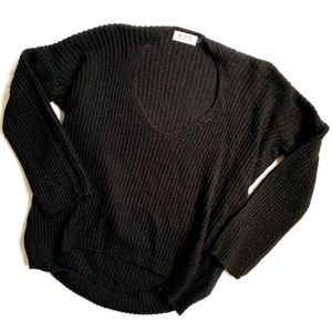 P.O.L. • HIGH LOW CREW NECK CHUNKY KNIT SWEATER